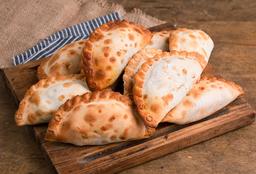 12 Empanadas + 3 de Regalo