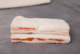 Sándwich Triple de Jamón & Tomate
