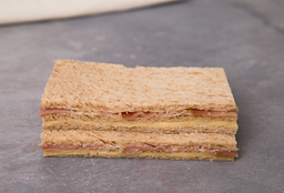 Sándwich Triple de Crudo & Queso