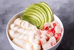 Chirashi Salad Kanikama, Palta & Queso