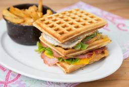 Sándwich Club Waffle