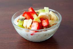Yogur con Granola y Frutas