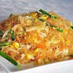 Chaw Mifen con Pollo