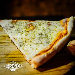 Pizza Mozzarella Porción XXL