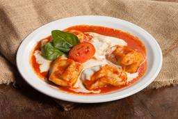 Ravioles de Mozza, Albahaca & Tomate