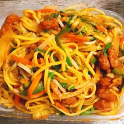 Chow Mien Picante Mixto