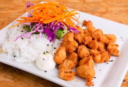 Sushi Salad de Pollo Rebozado