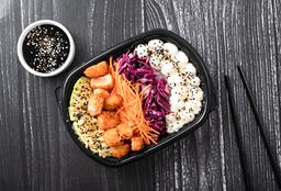 Sushi Salad de Salmón Rebozado