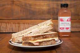 Sándwich de Lomito y Queso + Bebida