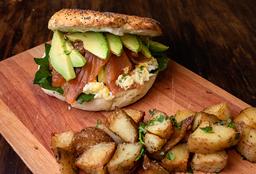 Sándwich Bagel de Salmón Ahumado