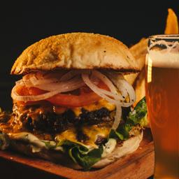Promo Clásica + Fritas + Cerveza