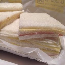 Sándwiches Triples J&Q x 12