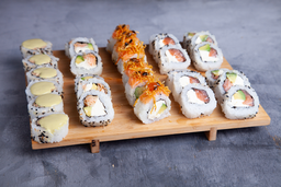 Combo Bunka 45 Pzas de Sushi Rolls