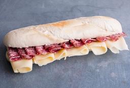 Sándwich con Salame Milan