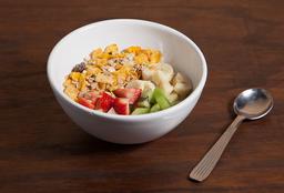 Yogurt con Granola y Fruta