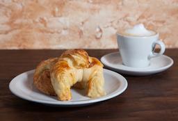 Café o Té con Leche + 2 Medialunas