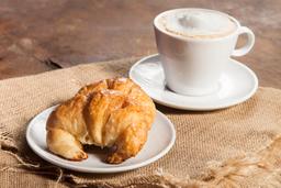 Medialunas, Tostado o Tostadas + Café o Té