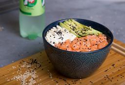 Sushi Salad Salmón, Palta & Phila + Bebida