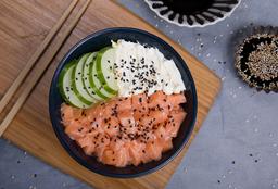 1 Sushi Salad a Elección + 2 Salsas