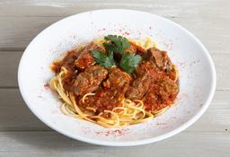 Spaghetti con Estofado