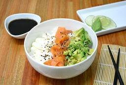Chirashi Salad Salmón Ahumado, Palta & Phila