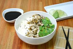 Chirashi Salad Pollo, Palta & Phila