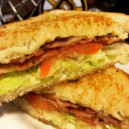 Classic BLT Sándwich