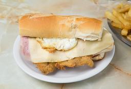 Sándwich de Milanesa Completo + Fritas