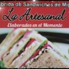 Sándwiches Triples Salame & Queso x 12