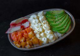 Sushi Salad de Salmón Empanizado