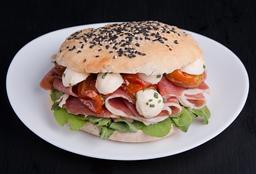 Sándwich de Prosciutto y Brie
