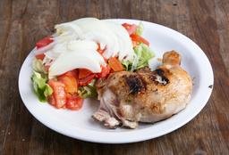 Pollo Deshuesado con Ensalada