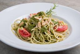 Spaghetti Pesto + Bebida