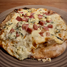 Pizza Bleue