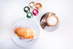 Cafe + Croissant de Jamón y Queso