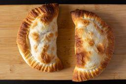 Empanada de Pollo a la Mostaza
