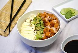Chirashi Salad Salmón Rebozado, Palta y Phila