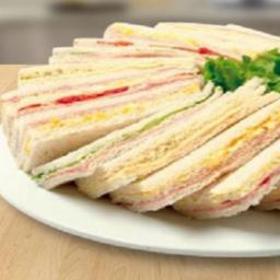 Media docena de Sandwiches de Miga