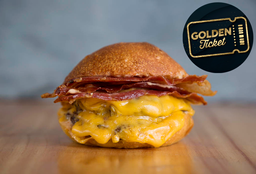 Golden Tickets - Applewood Bacon Doble Carne + Papas