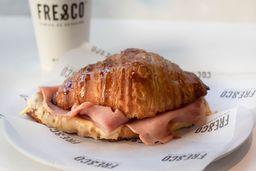 Croissant de J&Q  + Café Grande