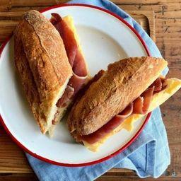 Sándwich de Parisien Crudo