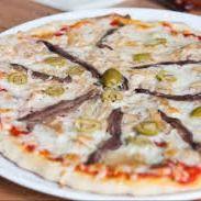 Pizza Anchoas con Muzzarella