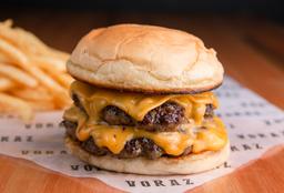 Cheeseburger + Papas Fritas