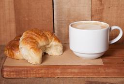 1 Medialuna + Café con Leche