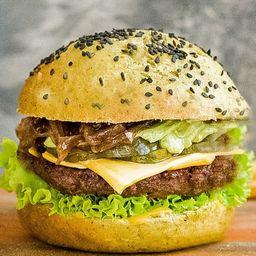 Green Avocado Burger con Papas Fritas