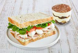 Sándwich + Postre