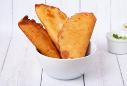 Empanada de Tajadas & Queso