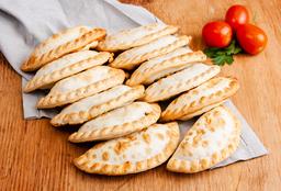 12 Empanadas + Muzzarella Grande