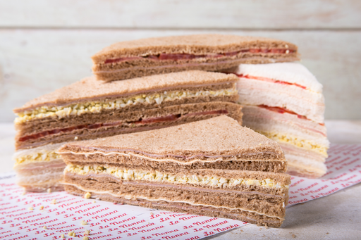 3 Sándwiches de Miga J&Q