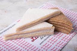 3 Sándwiches de Miga a Base de Queso Pan Blanco